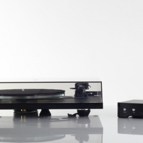 Silvergate Plastics Puts The Tone In Turntables